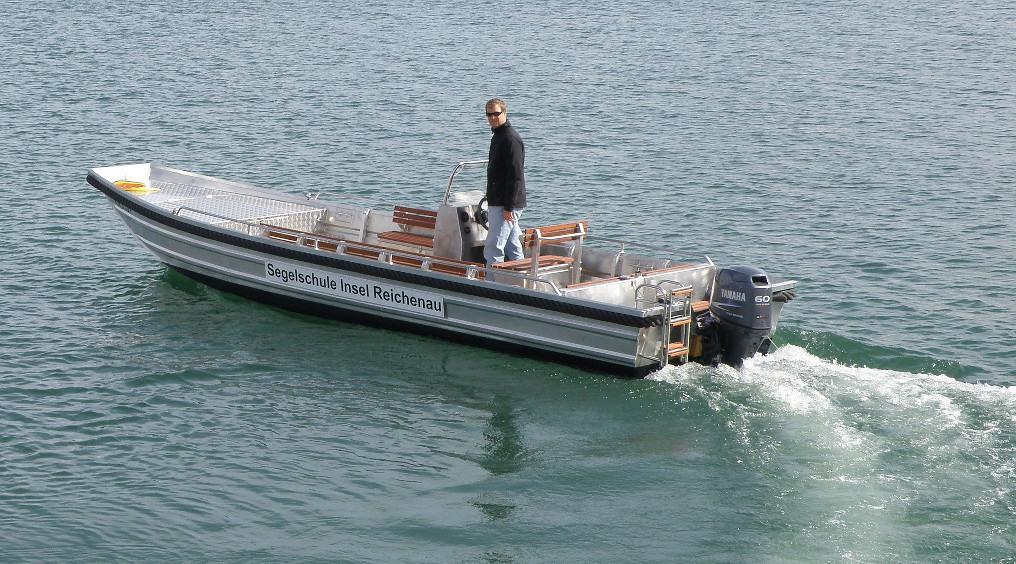 Motorboot vom Typ GROPP 730S in der Bootsvermietung